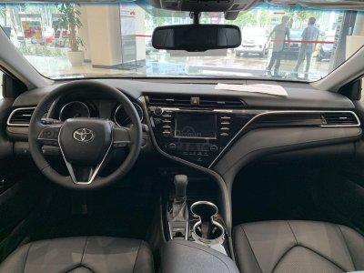 Thiết kế nội thất xe Toyota Camry 2020 đơn giản 1