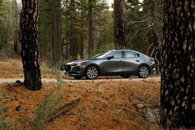 Mazda 3 sang trọng và tân tiến.