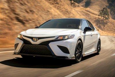 Toyota Camry cách tân mới hấp dẫn hơn nữa.