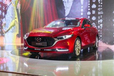 Mazda 3 sedan tăng 10 triệu đồng so với tháng 9.