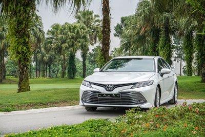 Toyota Camry đang được giảm giá đến 25 triệu đồng trong tháng 11.