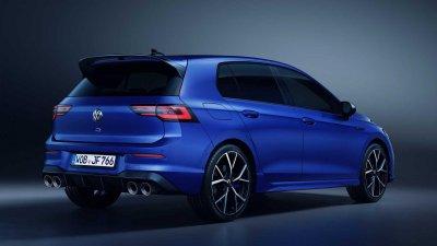 Volkswagen Golf R 2022 ẩn chứa sức mạnh hùng dũng.