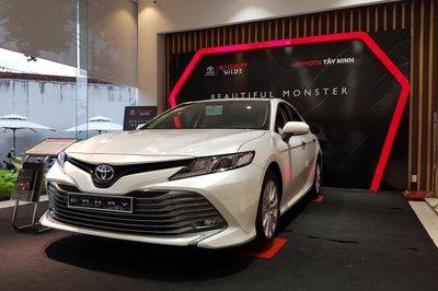 Toyota Camry đứng đầu phân khúc sedan hạng D 1