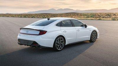 Hyundai Sonata 2021 N-Line hứa hẹn mang đến cảm giác lái hoàn toàn mới.