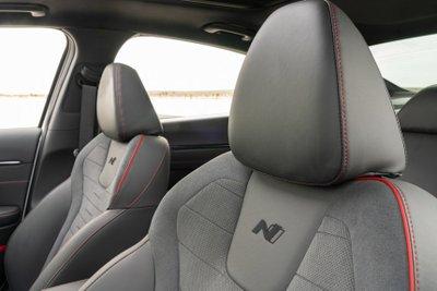 Hyundai Sonata 2021 N-Line cung cấp cảm giác lái thể thao cực đỉnh.