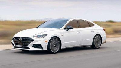 """Hyundai Sonata 2021 N-Line """"cơ bắp"""" hơn với động cơ nâng cấp."""