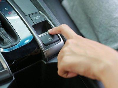 Phanh điện tử trên ô tô.