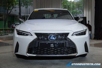 Lexus IS 2021 Premier thân thiện môi trường.