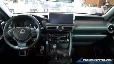 Lexus IS 2021 mới hiện đại cực đỉnh.