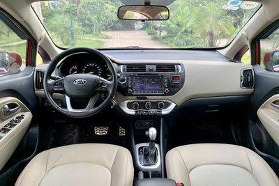 Khoang cabin xe Kia Rio 2016 sedan 1