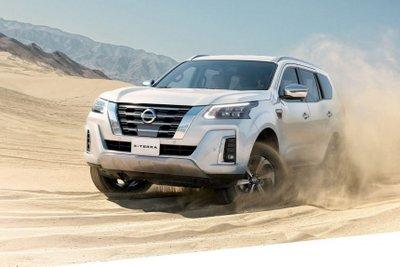 Nissan Terra 2021 mạnh mẽ và nhạy bén.
