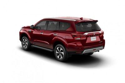 Nissan Terra 2021 tươi mới và cá tính hơn.