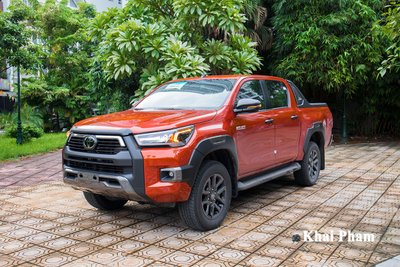 Toyota Hilux 2020 1
