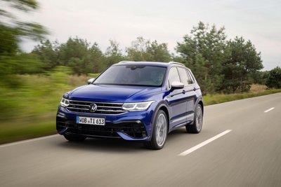 Volkswagen Tiguan 2021 R lên kệ đậm chất xe đua.