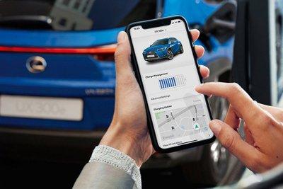 Lexus UX 300e 2021 tích hợp nhiều tính năng tiện lợi tân tiến.