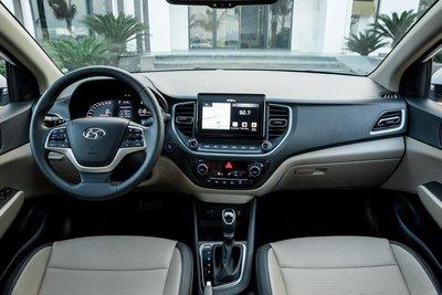 Không gian nội thất xe Hyundai Accent 2021 1