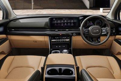 Khoang cabin xe Kia Sedona 2021 1