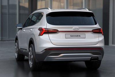 Chiêm ngưỡng vẻ đẹp của Hyundai Santa Fe 2021 sắp bán ở Việt Nam a22