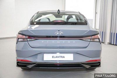 Thiết kế đuôi xe Hyundai Elantra 2021 1