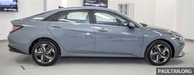 Ngoại hình tổng thể xe Hyundai Elantra 2021 1