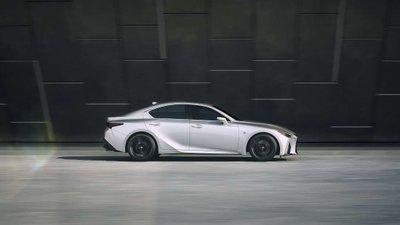 Lexus IS hội tụ nhiềuđặc điểm vượt trội của mẫu sedan hạng sang 1