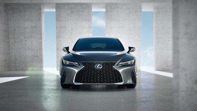 """Lexus IS hoàn toàn mới xác nhận ra mắt thị trường Việt, """"Mẹc"""" C có thêm đối thủ 1"""