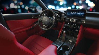 Khoang nội thất của Lexus ISkhông có sự thay đổi rõ rệt như ngoại thất. 1