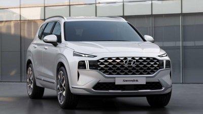 Hyundai Santa Fe 2021 báo giá khởi điểm 648 triệu đồng.