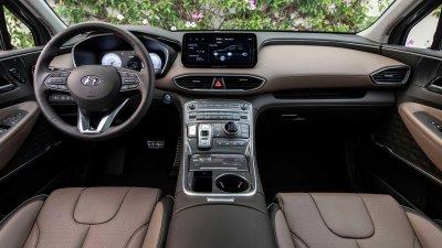 Hyundai Santa Fe 2021 tích hợp công nghệ hiện đại cùng bài trí đẹp mắt.