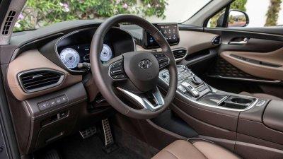 Hyundai Santa Fe 2021 trang bị tân tiến.