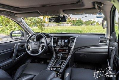 Nội thất của Mitsubishi Pajero Sport 2020 được nâng cấp đáng kể ở trang bị tiện nghi.