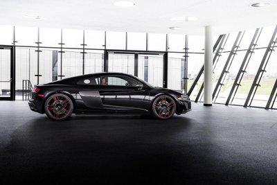 Audi R8 Panther Edition 2021 bắt mắt, hấp dẫn từng li.