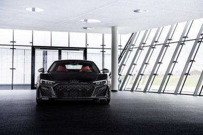 """""""Báo đen"""" Audi R8 Panther Edition 2021 hấp dẫn khó cưỡng."""