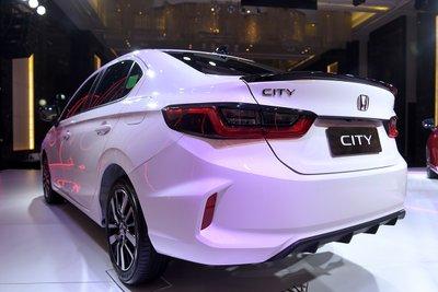 Thiết kế đuôi xe Honda City 2021.