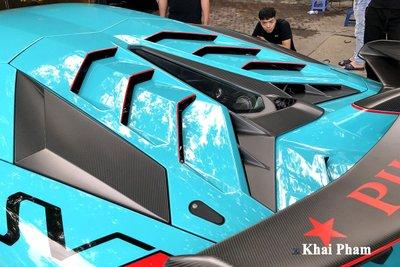 Lamborghini Aventador SVJ đầu tiên về Việt Nam tái xuất, gầm rú đường phố với 2 chi tiết mới  a11