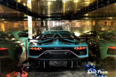 Lamborghini Aventador SVJ đầu tiên về Việt Nam tái xuất, gầm rú đường phố với 2 chi tiết mới  a12