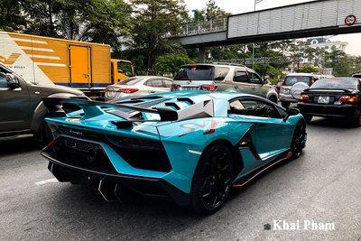 Lamborghini Aventador SVJ đầu tiên về Việt Nam tái xuất, gầm rú đường phố với 2 chi tiết mới  a2