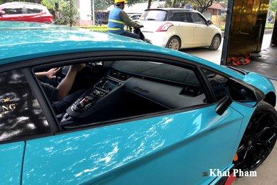 Lamborghini Aventador SVJ đầu tiên về Việt Nam tái xuất, gầm rú đường phố với 2 chi tiết mới  a3