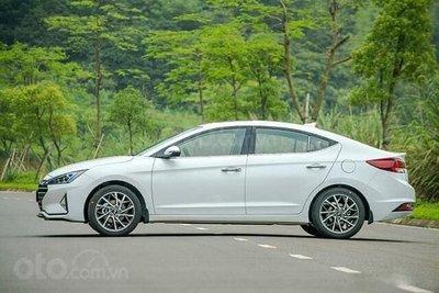 Hyundai Elantra:589 xe 1