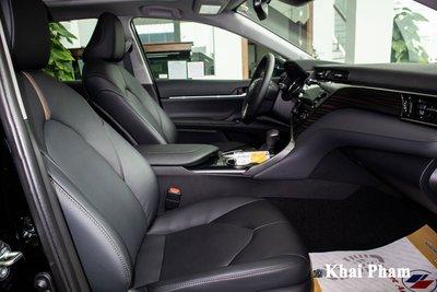 Toyota Camry XLE nhập Mỹ tiếp tục về Việt Nam, giá cao gấp đôi xe chính hãng vẫn hút khách a18
