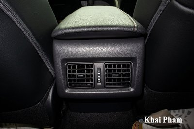 Toyota Camry XLE nhập Mỹ tiếp tục về Việt Nam, giá cao gấp đôi xe chính hãng vẫn hút khách a22