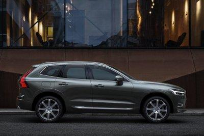 Volvo XC60 2021 mild-hybrid hấp dẫn với tùy chọn động cơ đa dạng.