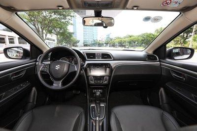 Chạy đua khuyến mại xe lắp ráp, loạt xe Suzuki nhận ưu đãi lớn, Ertiga rẻ hơn sedan hạng B a2