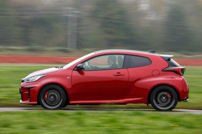 Chủ xe Toyota Yaris 2021 GR thể thao mạnh mẽ còn được hưởng nhiều đặc quyền hấp dẫn.