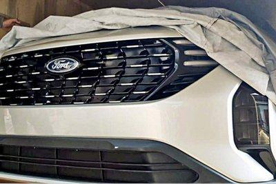 Ford EcoSport 2022 hoàn toàn mới lộ mặt.
