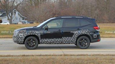Hông xe Subaru Forester 2022 tinh chỉnh có thể tạo nên cảm giác cứng cáp hơn.