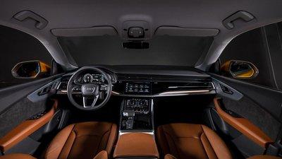 Audi Q8 sẵn sàng giao đến tay khách Việt, gửi lời thách thức BMW X6 a3
