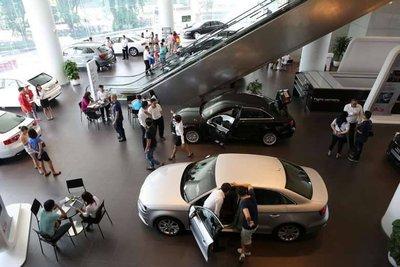 Thời hạn nộp thuế trước bạ xe ô tô, mức tiền phạt nếu nộp chậm - Ảnh 1.