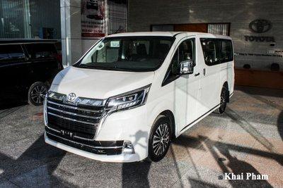 Toyota Granvia 2020 kén khách tại Việt Nam 1