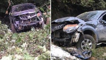 Hình ảnh chiếc xe bán tải bị hư hỏng nặng sau tai nạn.